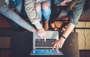 איך לבחור אתר לשיתוף פעולה